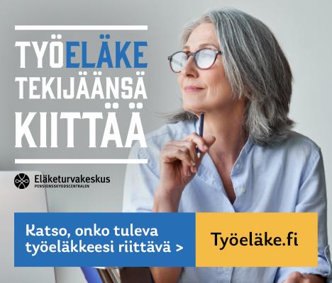 Harmaahiuksinen silmälasikasvoinen vaaleansiniseen puseroon pukeutunut nainen katsoo sivulle, kannattelee kynää leukaansa vasten. Tekstinä: Työeläke tekijäänsä kiittää. Katso, onko tuleva työeläkkeesi riittävä: Työeläke.fi.